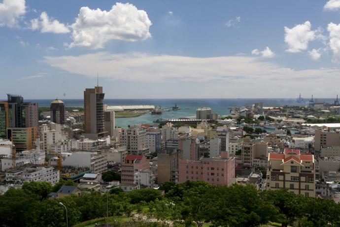 Vue génerale de la ville de Port-Louis