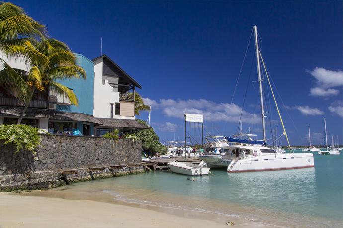 Grand baie le maurice - Restaurant la grande plage port louis ...